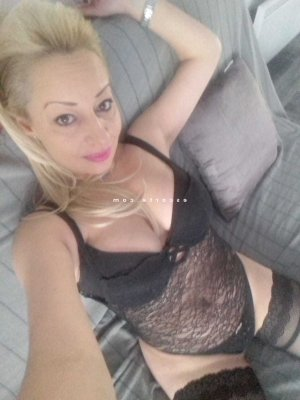 Dulcinia wannonce escorte girl