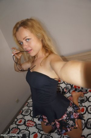 Loicia massage escort girl à Rosporden
