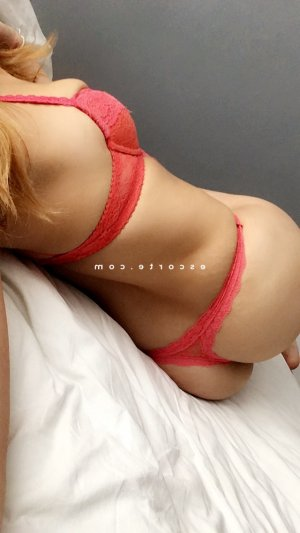Embarka escort girl sexemodel